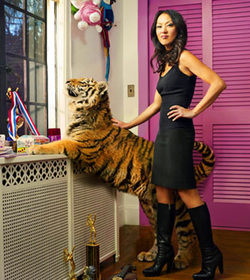 What is the thesis of Battle Hymn of the Tiger Mother?